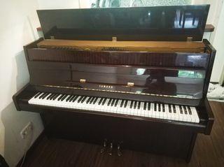 Piano Vertical Yamaha M1J