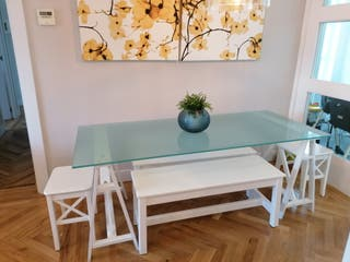 Conjunto mesa de comedor y bancos