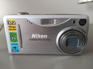 Cámara de fotos Nikon Coolpix 3700