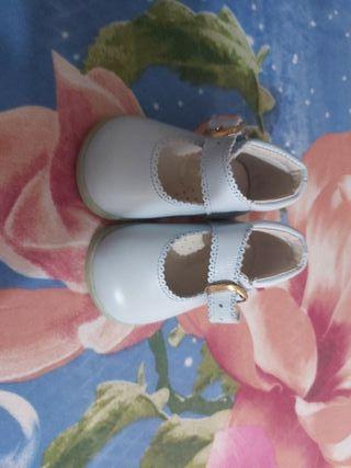 zapato bebe sin estrenar numero 17
