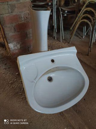 lavabo con pié