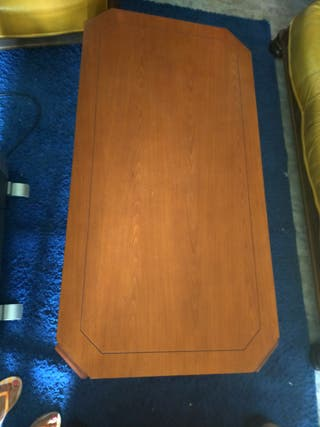 Mesa baja de salón madera maciza