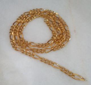 Cadena de eslabones dorada