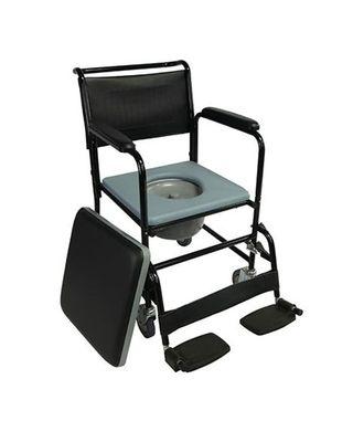 Silla de baño con ruedas y inodoro.