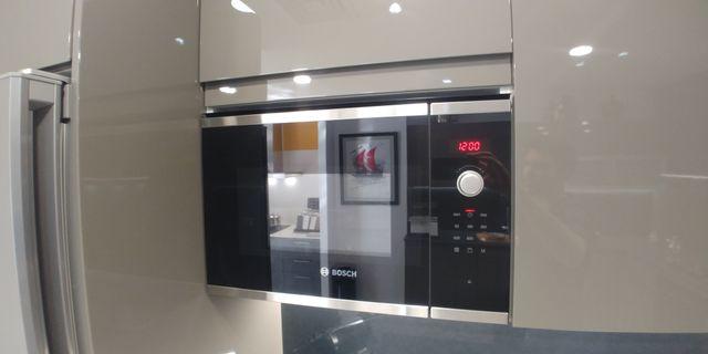 Conjunto Bosch: Placa de gas, horno y microondas