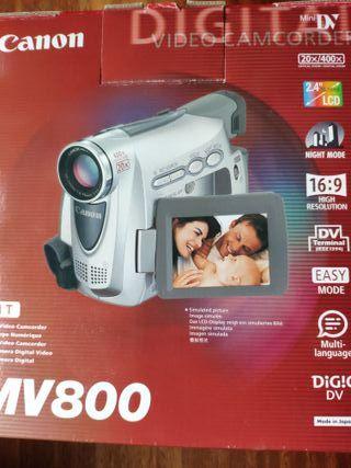 videocámara Canon MV800