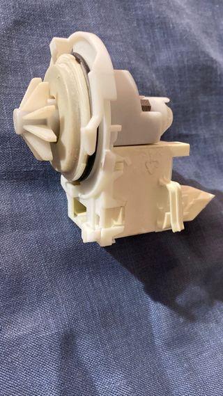 Bomba desagüe lavadora whirpooll