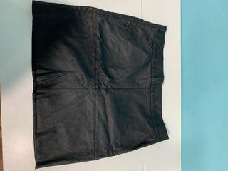 Falda poli piel negra