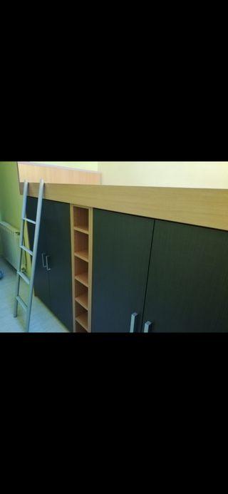 Cama con armarios