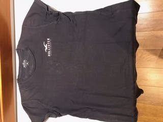 Camiseta Hollister.