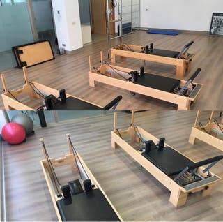 Diversas máquinas de pilates balanced body