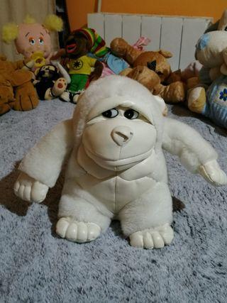 Peluche mono blanco