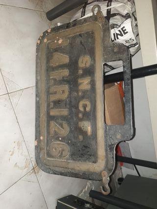 hierro fuerte insignia de scnf que es ferrocarril