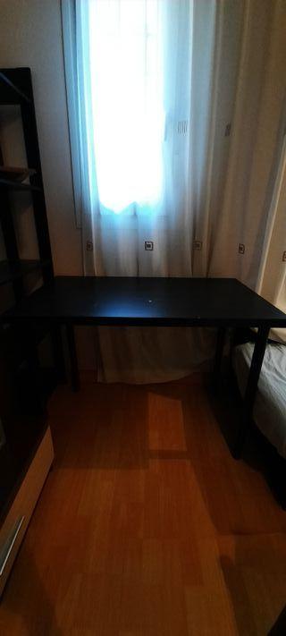 Mesa de escritorio Ikea Negra
