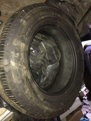 Neumáticos 235/65 R17