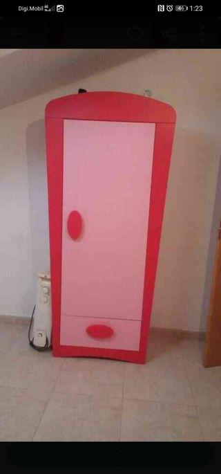 armario rosa