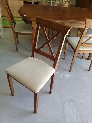 Mesa con 6 sillas con tapizado en perfecto estado