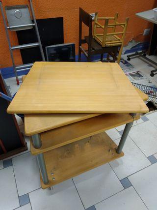 Mesita escritorio, ordenador, tele con ruedas