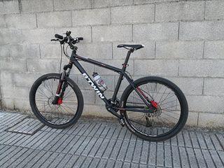 Bicicleta BTWIN VTT ROCKRIDER 520 (2015)
