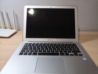 """MacBook Air 13"""" I5 8/256 + Extras"""