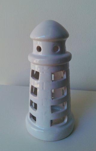 Faro decorativo de cerámica