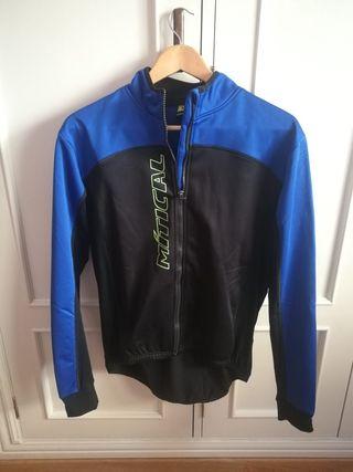 chaqueta y maillot ciclista