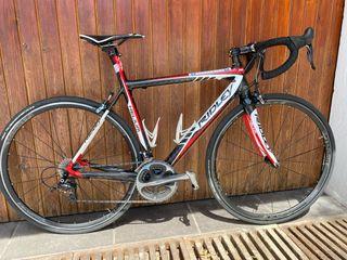 Bicicleta de carretera Ridley carbono.