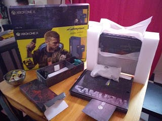 Pack Xbox One X + Cyberpunk 2077 + Mando