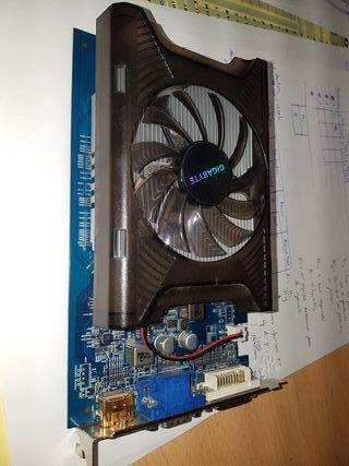 Tarjeta gráfica Radeon HD 5670 1GB