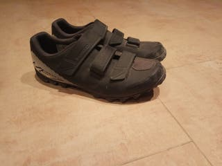 Zapatillas MTB Shimano. Calas incluidas.