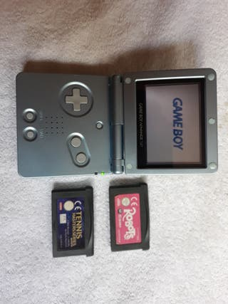 game boy advance sp + 2 juegos + cargador