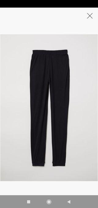 Pantalón negro H&M talla M.