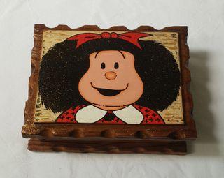 Caja rústica de madera mafalda