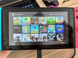 Nintendo Switch v2 2019 + juegos digitales