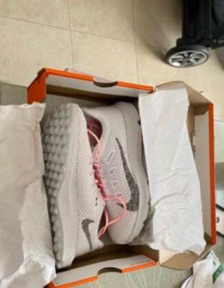 Vendo Nike Quest 2 SIN USAR