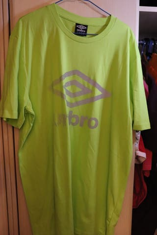 Camiseta UMBRO reflectante