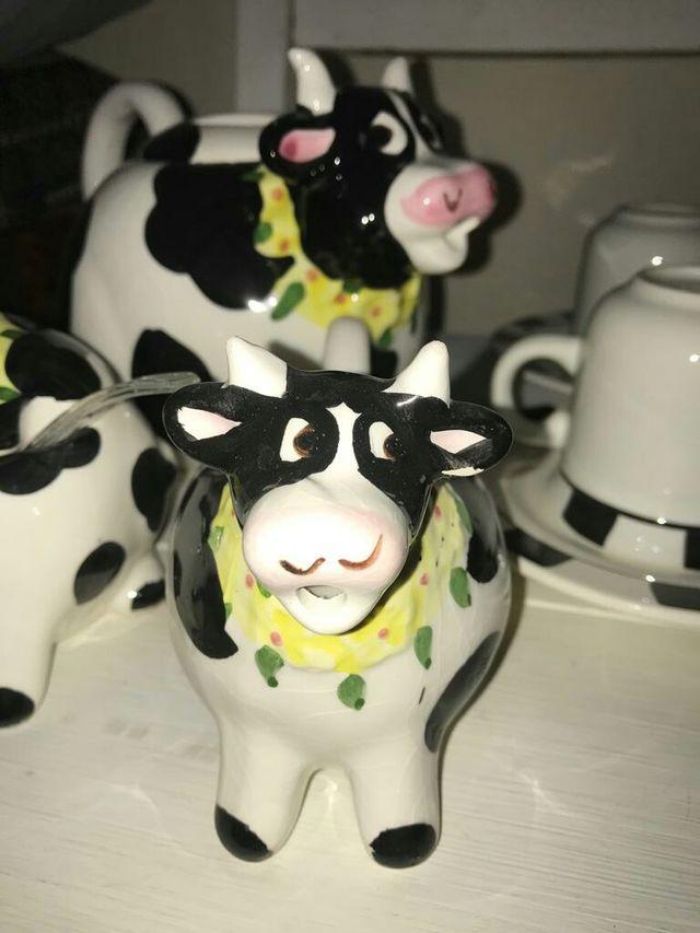 Juego de café de vacas.