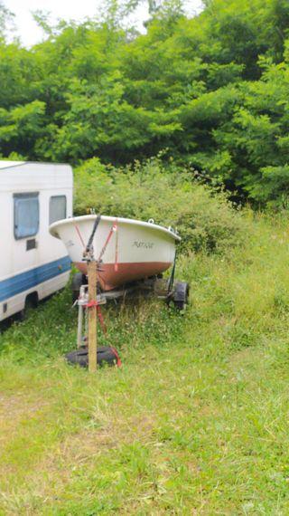 Se hacen portes caravanas y barcas