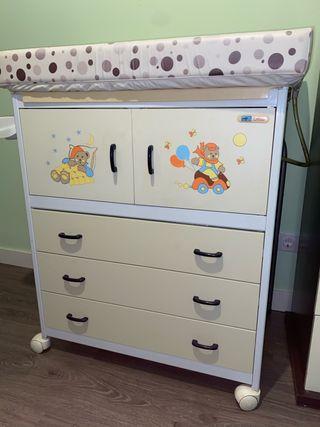 Bañera y mueble cambiador bebe