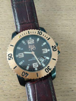 """Reloj hombre """"Uno de 50"""""""