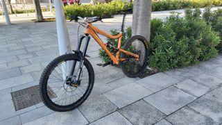 Bicicleta de enduro Devinci Frantik 180 mm talla M