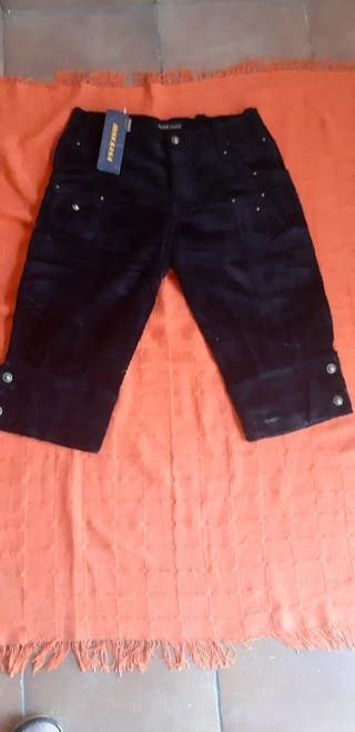 pantalones de pana piratas