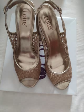 Zapatos tacón Lotus