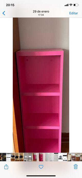 Estanterías madera rosa fucsia 65€ cada una