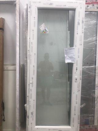Puerta blanca pvc climalit
