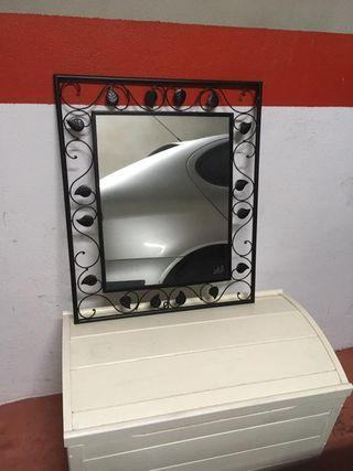 Espejo de forja negro