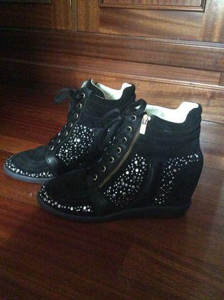 Zapatos abotinados Farrutx. Talla 41.