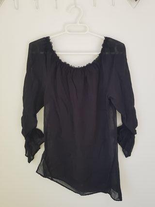 Blusa semitransparente talla M