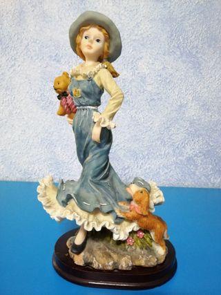 Figura decorativa mujer ceramica