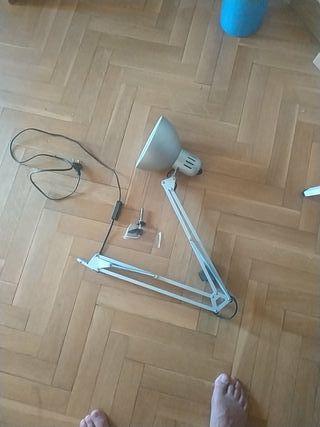 Lampara de escritorio IKEA